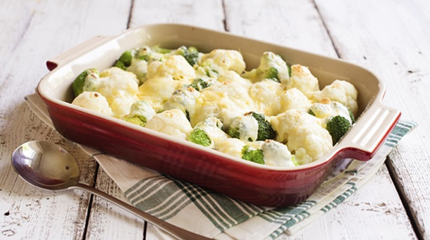 Baked Broccoli and Cauliflower with Gouda Cheese Sauce