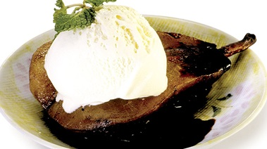 Balsamic Glazed Pears with Vanilla Ice Cream
