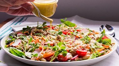Cannellini Bean Sprout and Vegetable Salad