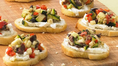 Crostini with Goat Cheese and Zucchini Relish