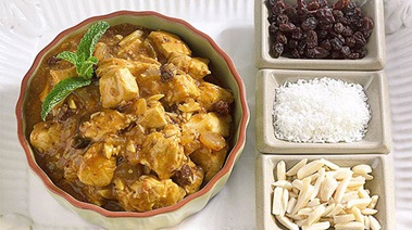 Chicken Curry with Raisins, Almonds and Coconut