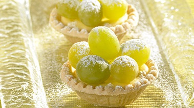 Grape Vanilla Cheesecake Tarts