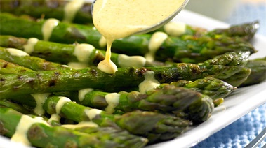 Grilled Asparagus with Curried Yogurt Sauce