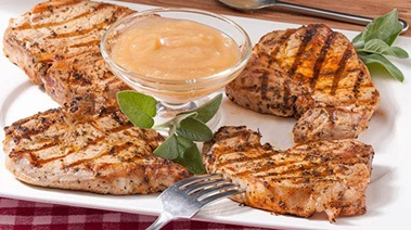 Grilled Pork Chops with Fresh Apple Sauce