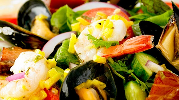 SummerSeafoodSalad079840x470