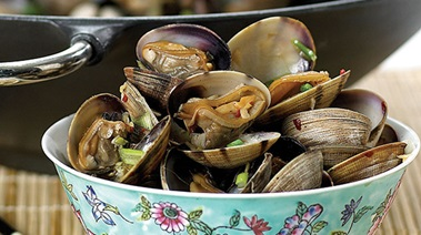 Wok-steamed Clams with Chilies, Garlic and Ginger
