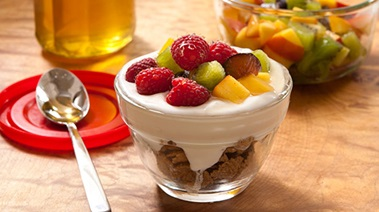 Yogurt, Cereal and Fruit Breakfast Cups